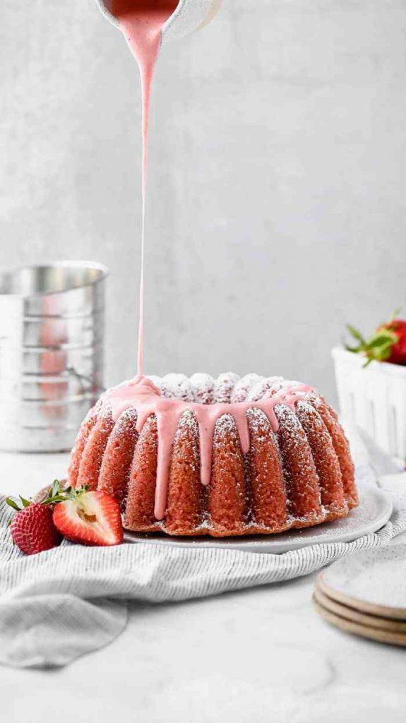strawberry pound cake with glaze drizzle
