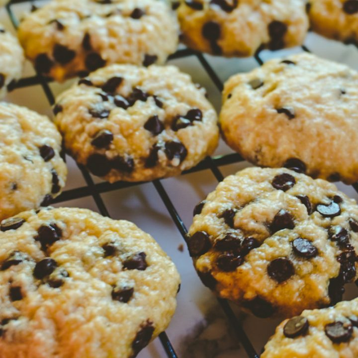 close up of cookies on a cooling tray
