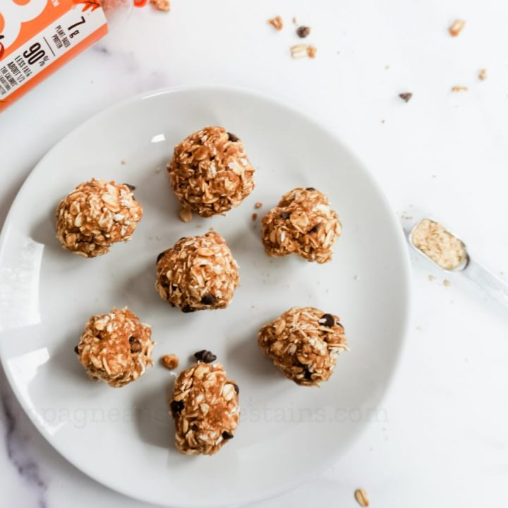 7 skinny pumpkin spice energy balls on a plate