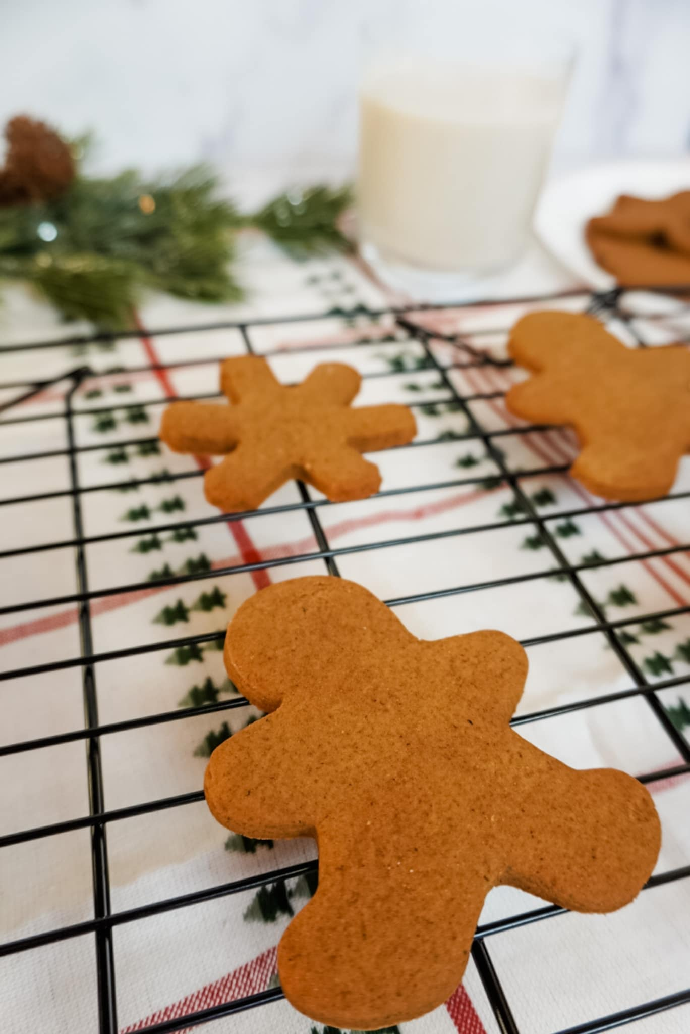 gingerbread cookies on a cooling tray