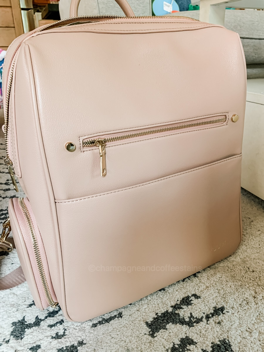 front of yuuma bag in dusty rose
